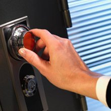 Advantage Locksmith Store Costa Mesa, CA 949-705-4073